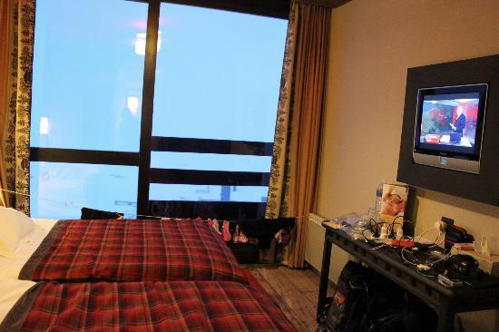 Club Med Tignes Val Claret : Our end of the room(single beds though!)