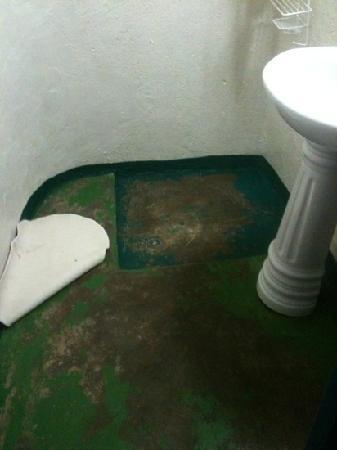 Eco-Omo Lodge: il bagno