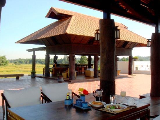 Manee Dheva Resort & Spa: Breakfast at Na Kham Luang restaurant