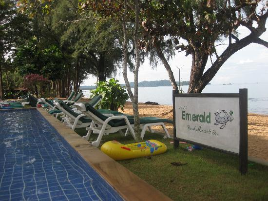 Beds Picture Of Khao Lak Emerald Beach Resort Amp Spa