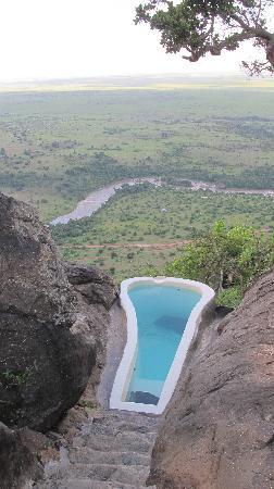 Mara Siria Camp: plunge pool and view