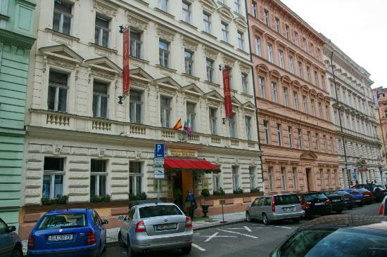 Hotel residence mala strana picture of hotel mala strana for Best hotels in mala strana prague