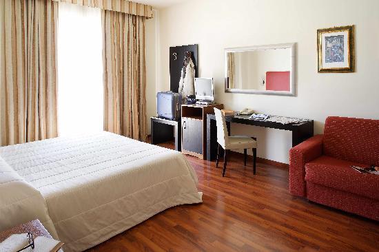 Cristallo Hotel Assisi: camera