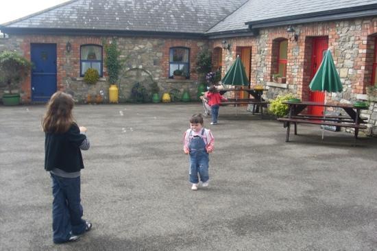 Slane Farm Hostel: ..