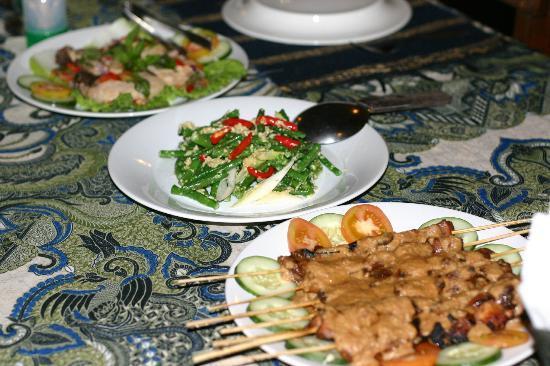 Froggies Divers Bunaken: And the food again