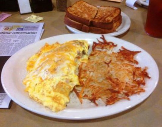 Christy's Cafe and Bakery: Omelet and Hash Browns