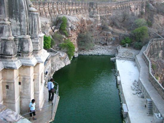 Chittaurgarh, Indien: This water body inside the Fort never dries up