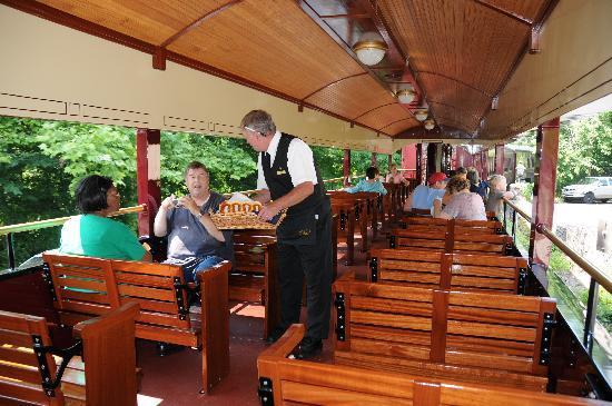 New Hope & Ivyland Railroad : Open Air Car