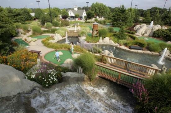 Country Fair Entertainment Park: 2 18 Hole Mini Golf Course