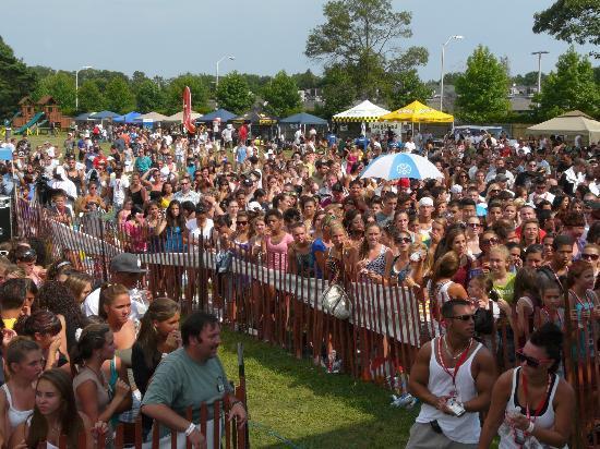 Country Fair Entertainment Park: Mega Jam Concert!