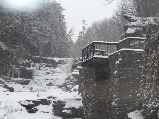 Ledges Hotel: Out the Back Windows - Frozen Waterfalls and Falling Snow