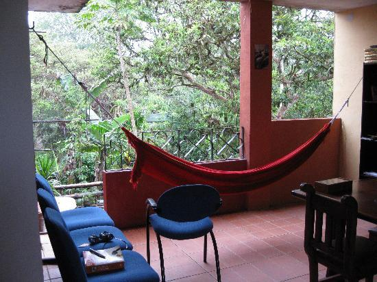 Bio Hostal Mindo Cloud Forest : Second floor communal area