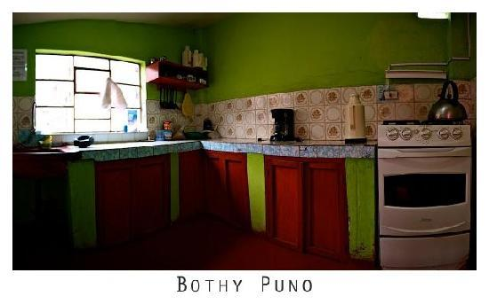 Bothy Puno: guest kitchen