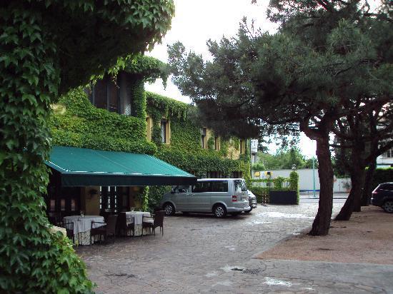 Hotel Due Mori: Exterior of hotel