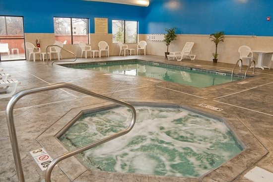 Indoor Heated Pool And Hot Tub Picture Of Comfort Suites East Broad At 270 Columbus Tripadvisor