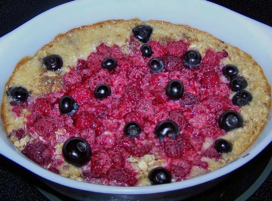 Auberge Kicking Horse B&B: Berry oatneal bake
