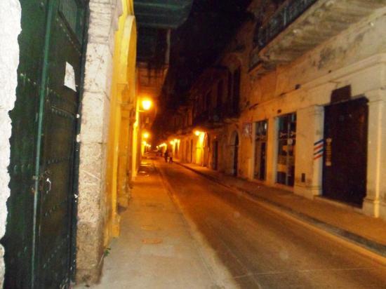 Casa de la Chicheria: Calle de Chicheria at Night