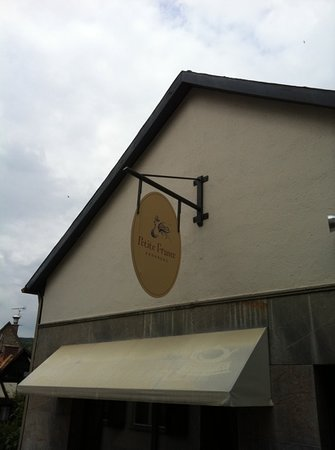 k'ties Petite France: exterior