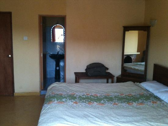 Hill View Bungalow : Chambre