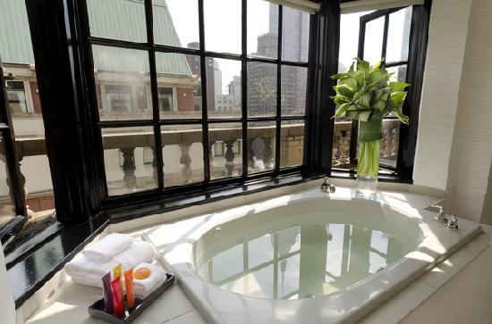 IBEROSTAR 70 Park Avenue Hotel: Penthouse Bath