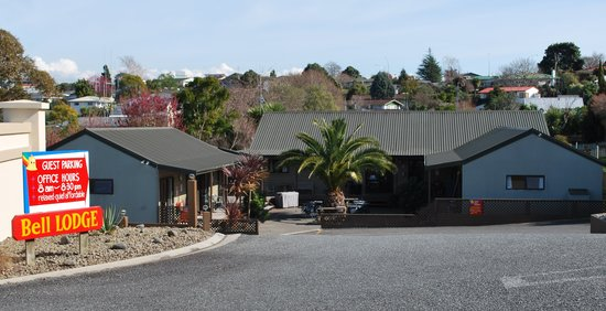 Bell Lodge Motel & Backpackers Hostel