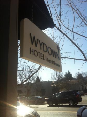 Wydown Hotel: Enjoy the area. P.S. there is a Safeway within easy walking distance.