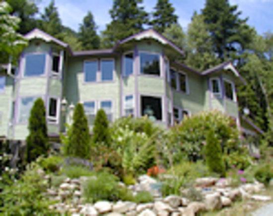 The Rosehill Manor: A Majestic Hillside Manor
