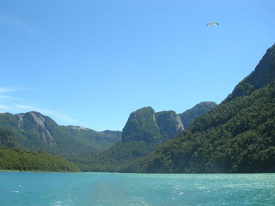 San Carlos de Bariloche, Argentina: PUERTO BLEST, LAGO FRIAS