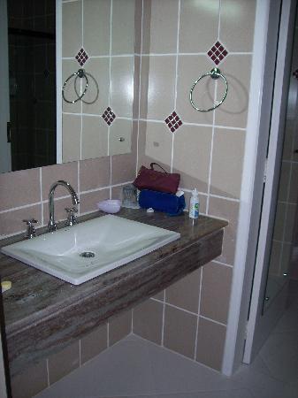 Hotel Nacional Inn Foz do Iguacu: lavabo