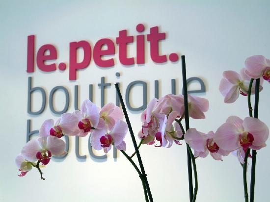 Le Petit Boutique Hotel: Recepción Le Petit