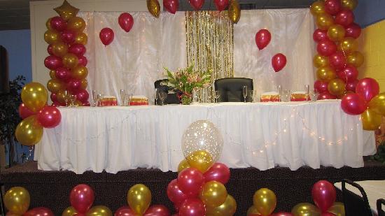Days Inn ST. Louis Lindbergh Boulevard: meeting room dinner set up head table on stage