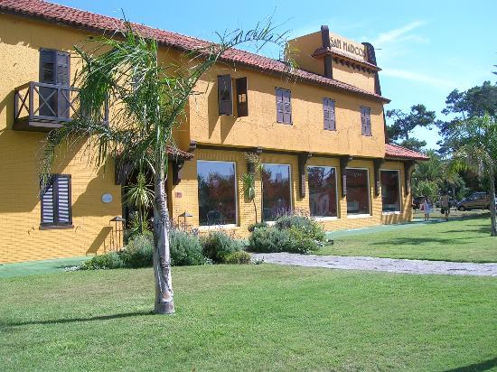 Hotel San Marcos: Frente del hotel