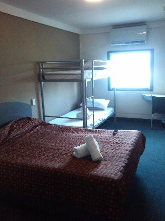 Hotel ibis budget Sydney East: Family room