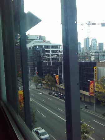 Ibis budget Sydney East: View into William Street