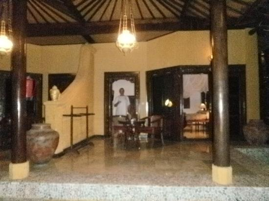 Alang-Alang Boutique Beach Hotel: front terrace