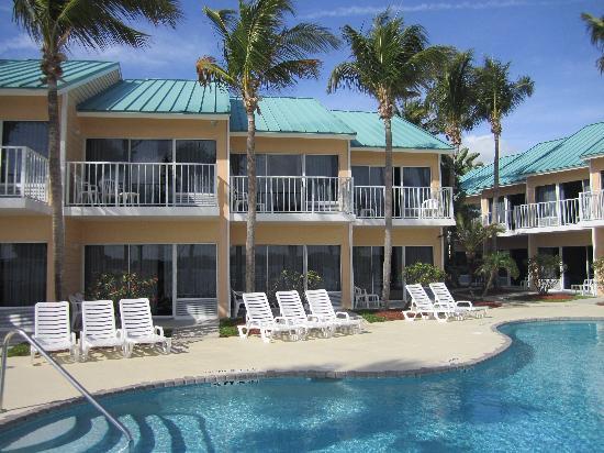 Jupiter Waterfront Inn: pool view