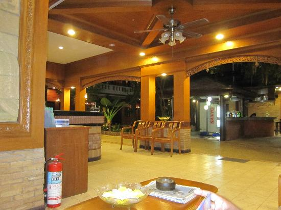 Jang Resort: reception area