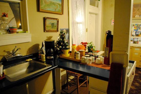 Route 66 Hostel: Kitchen