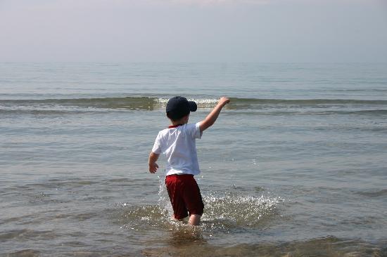 Cobourg Beach: Lake Ontario