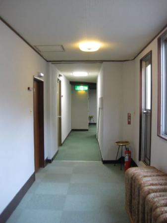 Yamadaya Hotel: corridor