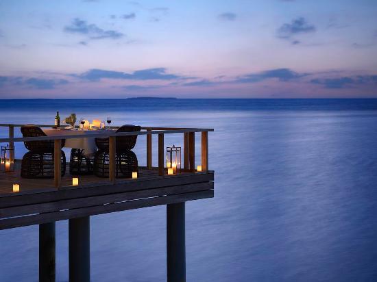 Dusit Thani Maldives: Benjarong Restaurant