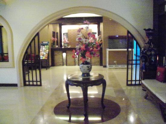 SakulchaiPlace Hotel: Hotel Foyer