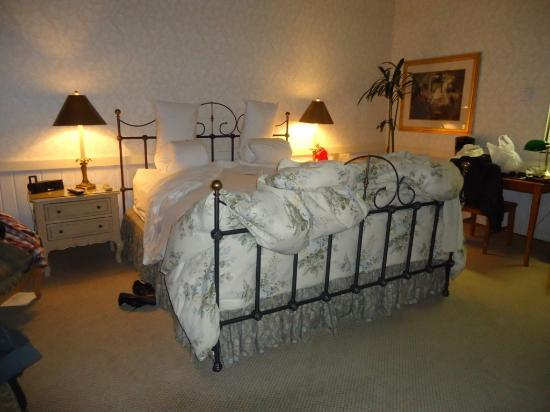 Carriage House Inn: Ready to go to bed