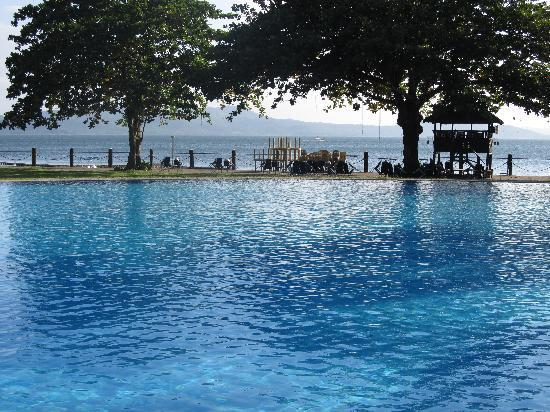 Talisay, Filipina: Biggest Pool that I have seen