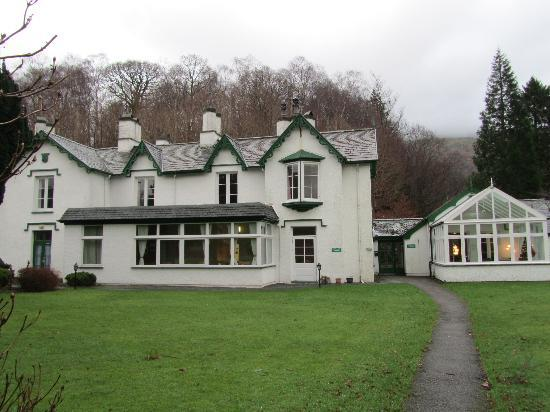 Glenthorne Guest House: main building and conservatory, taken from rear