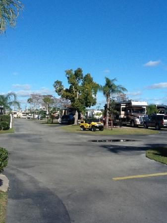 Orlando / Kissimmee KOA Campground: Main Drive Way, Road