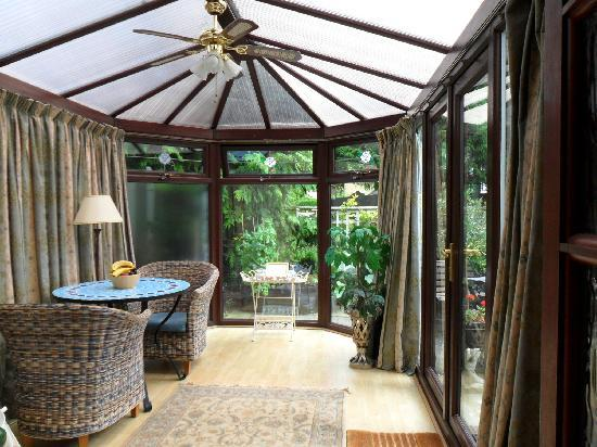 Coach House Cottage: Ground Floor bedroom's Conservatory