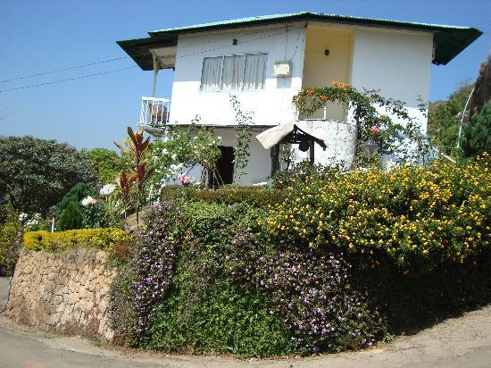 Deshadan Mountain Resorts: вид отеля