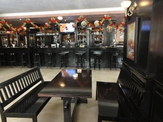 Puca Irish Pub : Bar area