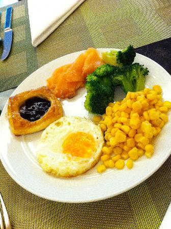 Amari Residences Bangkok: 豐富的早餐